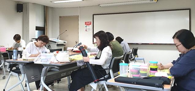 수정-인천지회 화실 사진2.jpg